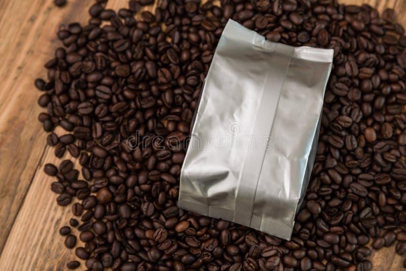 De nieuwe zak van de koffiefolie stock foto
