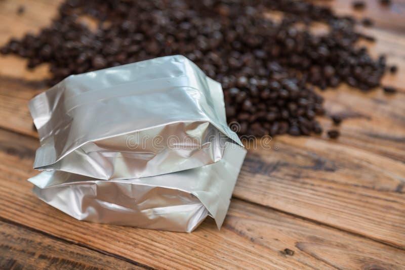 De nieuwe zak van de koffiefolie stock afbeelding