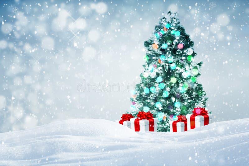 De Noël d'arbre de cadeaux fond dehors photographie stock