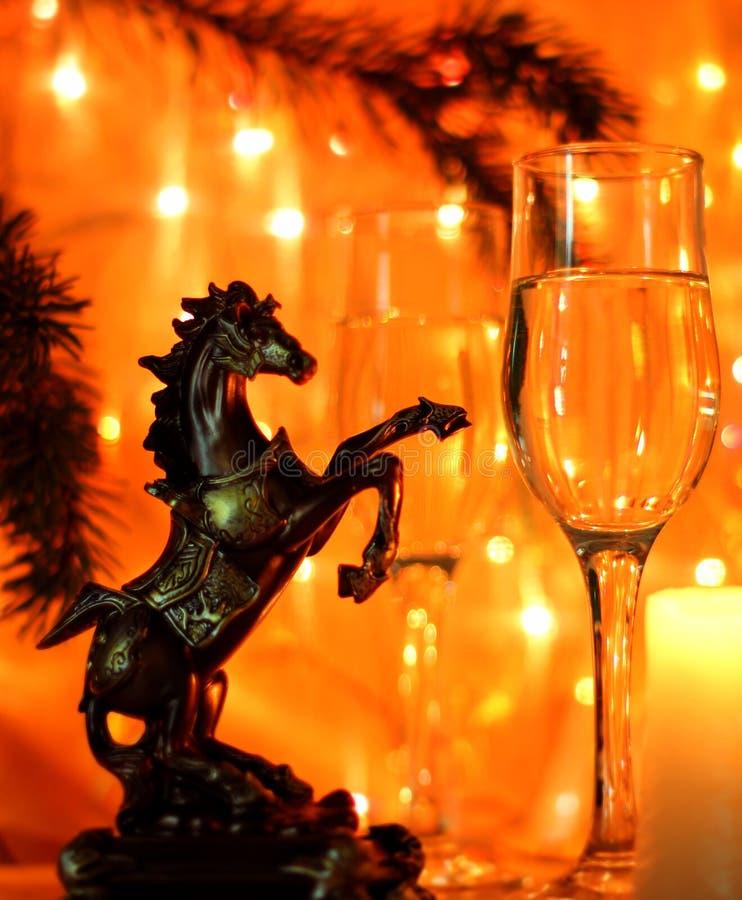 De Noche Vieja el fondo de la celebración con el caballo imágenes de archivo libres de regalías