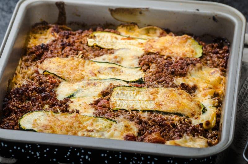 De noedel-vrije Lasagna's van het Courgettelint stock foto