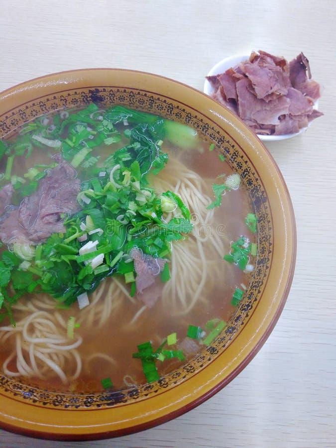 De noedels van het Lanzhourundvlees, halal schotel van China stock fotografie