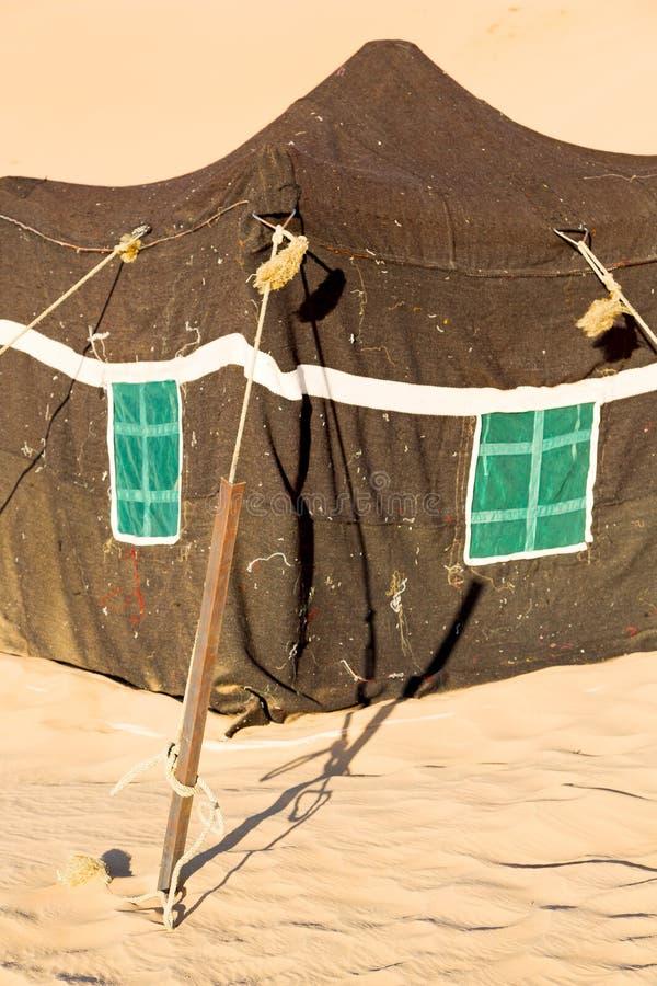 in de nomadetent van Oman van berbermensen stock fotografie
