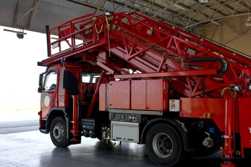 De noodsituatiebescherming van de brandvrachtwagen royalty-vrije stock afbeeldingen
