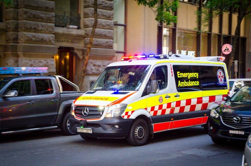 De Noodsituatieziekenwagen van Nieuw Zuid-Wales op Pitt St, Martin Place royalty-vrije stock foto's