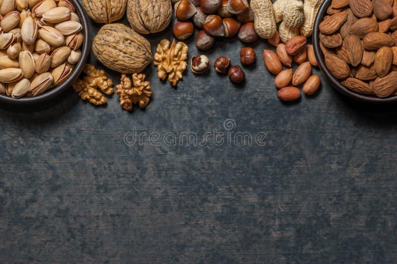 De noten mengen droge vruchten, verschillend soort noot royalty-vrije stock foto