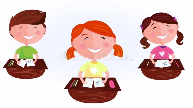 De nouveau à l'école : gosses de dessin animé dans la salle de classe illustration libre de droits
