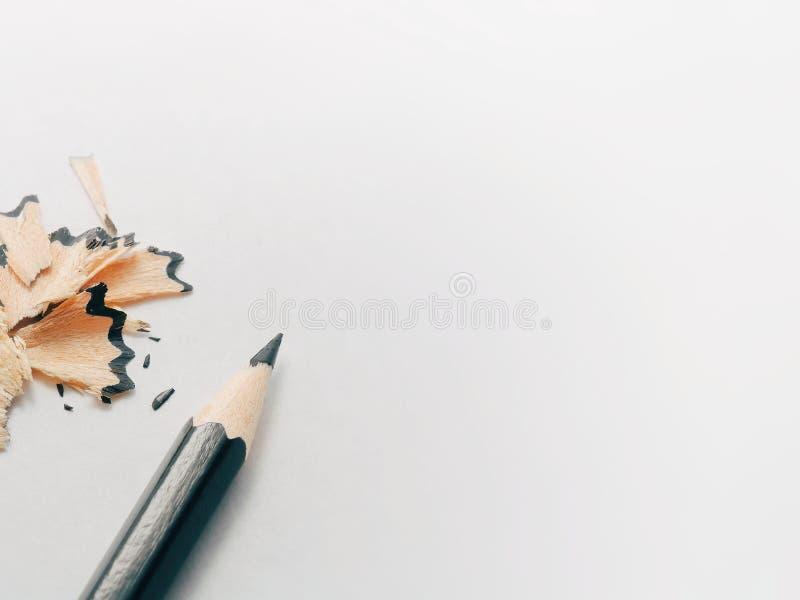 De nouveau à l'école - le cadre de Pensil a isolé sur le fond blanc Approvisionnements de dessin : crayon noir, d'isolement sur l photos libres de droits