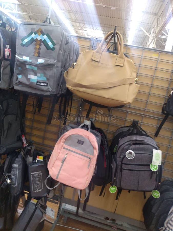 De nouveau aux accessoires d'école et plus image stock