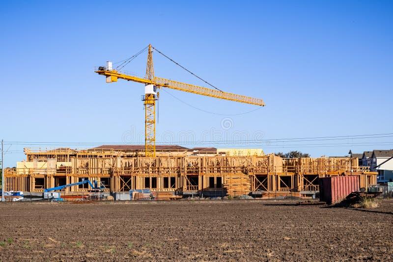 De nouveaux et modernes, à multiniveaux complexes d'appartements sont établis région à Mountain View, San Francisco Bay, la Calif images libres de droits