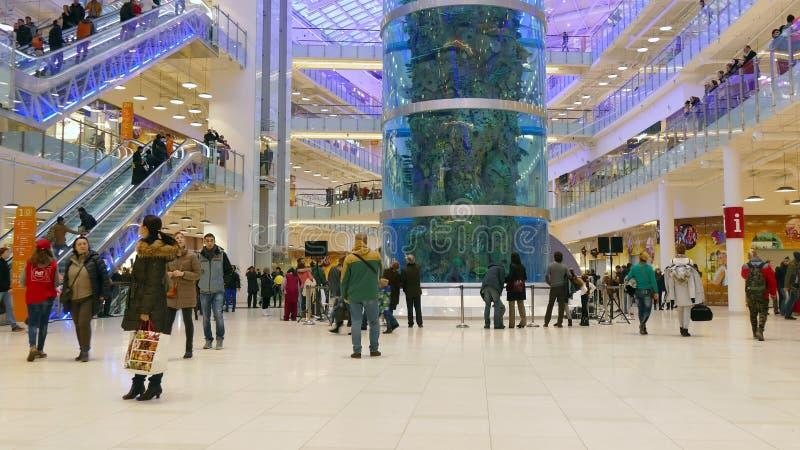 30 de novembro de 2014 shopping AVIAPARK, Moscou, Rússia Apenas aberto imagem de stock royalty free