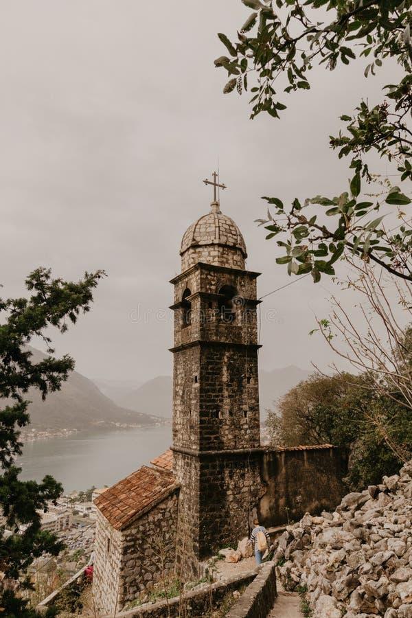 30 de novembro de 2018 Kotor Igreja do nosso Leady do remédio em Kotor montenegro - Imagem fotos de stock