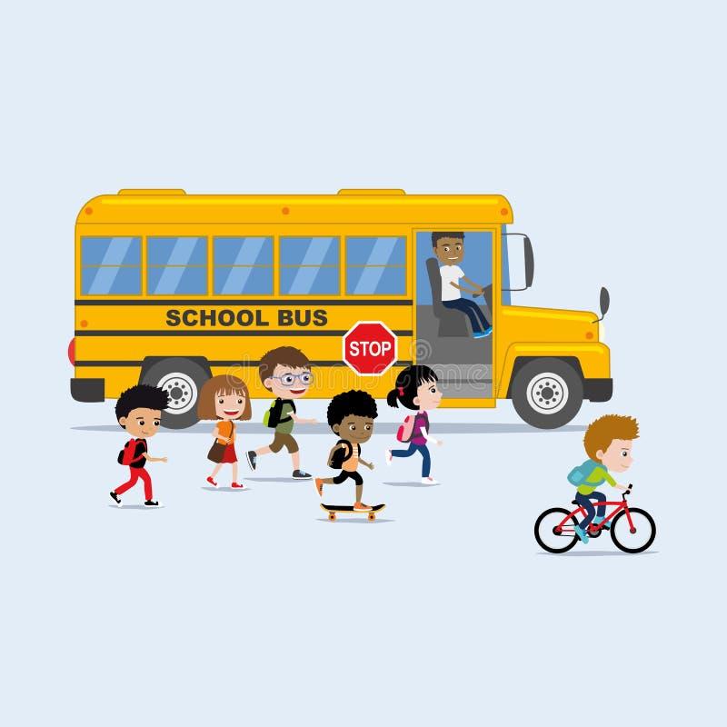 De nuevo al ejemplo de la escuela en estilo plano: grupo diverso de niños que suben al autobús escolar stock de ilustración