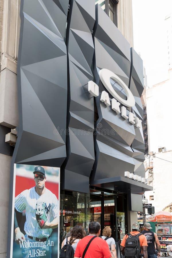 De Oakley-opslag in New York stock foto