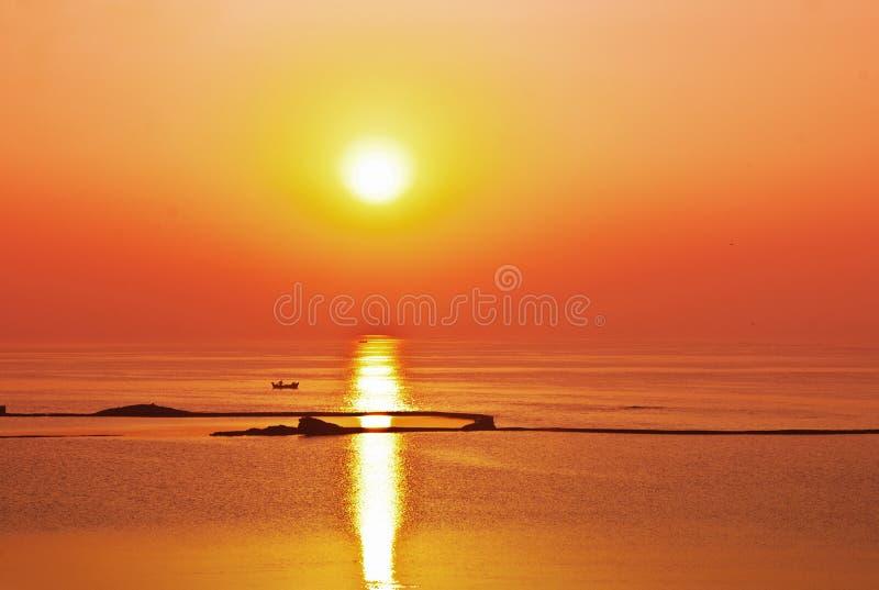 De Oceaan Van De Zonsopgangzonsondergang Stock Afbeeldingen