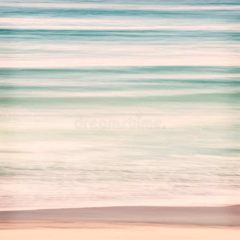 De oceaan zwelt