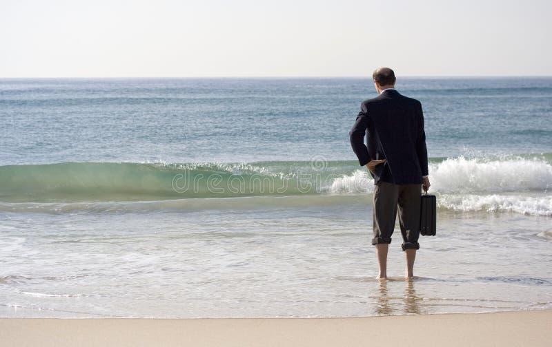 De oceaanonderbreking van de zakenman royalty-vrije stock foto's