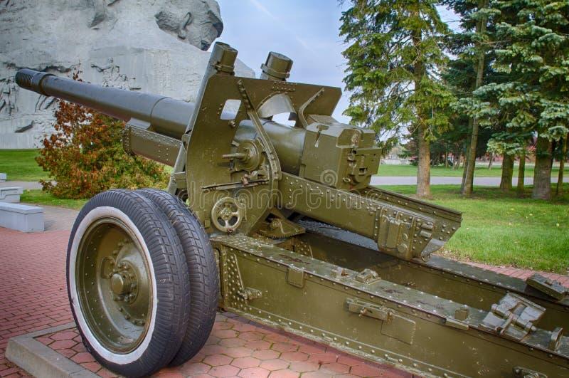 25 de octubre de 2015 - Brest, Bielorrusia: Un monumento dedicado a una guerra mundial 2, situada en la fortaleza de Brest imagenes de archivo