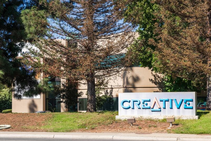 9 de octubre de 2019 Milpitas / CA / USA - Oficinas creativas en Silicon Valley; Creative Technology Ltd. conocido como Creative  fotografía de archivo
