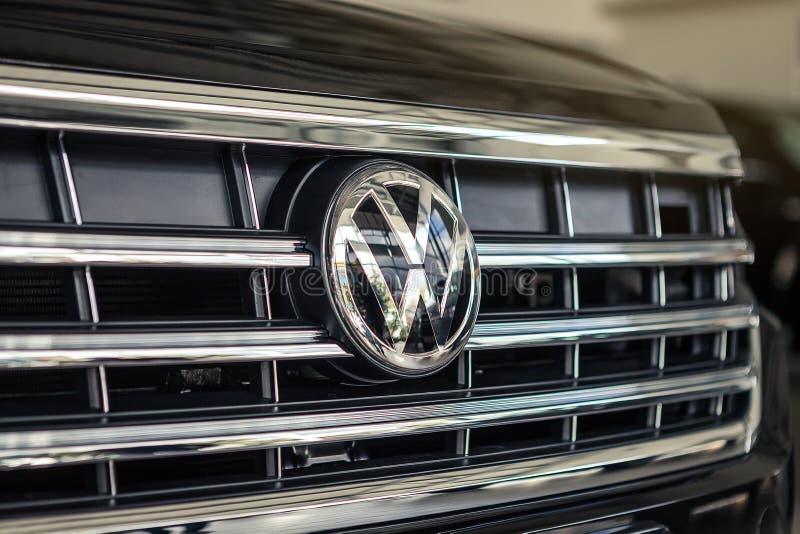 03 de octubre de 2018 - Vinnitsa, Ucrania Nuevo Volkswagen Touareg fotos de archivo