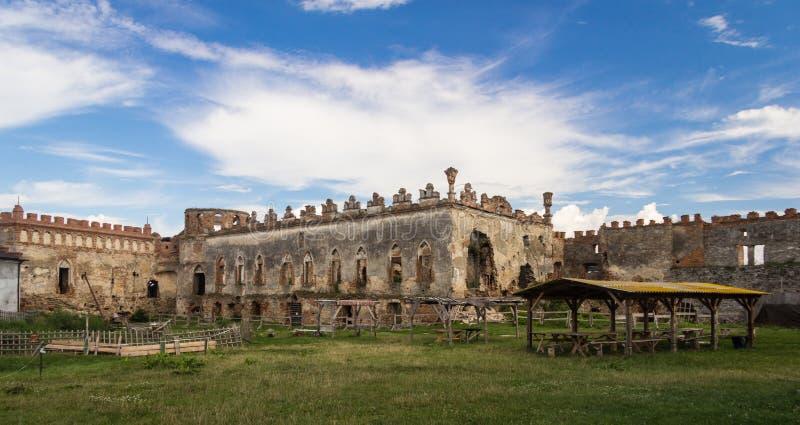 De Oekraïne, Medzhybizh, Middeleeuws kasteel royalty-vrije stock afbeelding