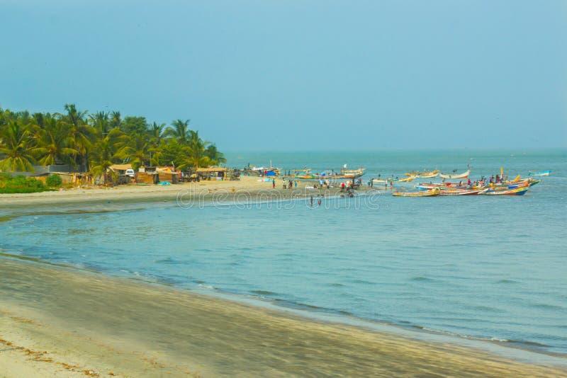 De oever van Banjul, Gambia stock foto's