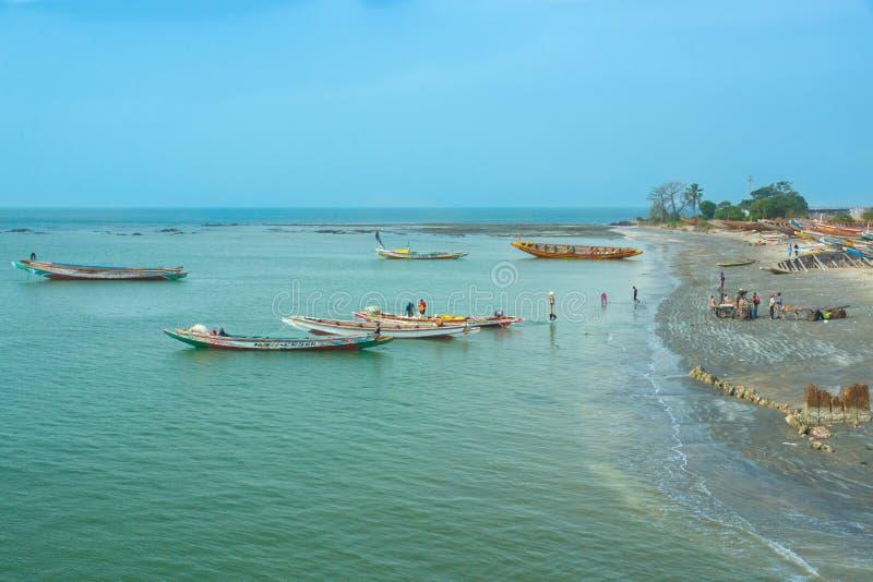 De oever van Barra, Gambia royalty-vrije stock afbeeldingen