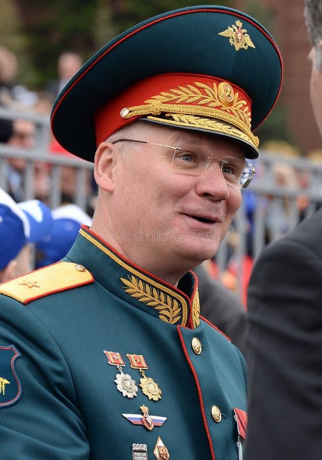 De officiële vertegenwoordiger van het Ministerie van defensie van de Russische Federatie belangrijk Algemeen Igor Konashenkov stock foto's