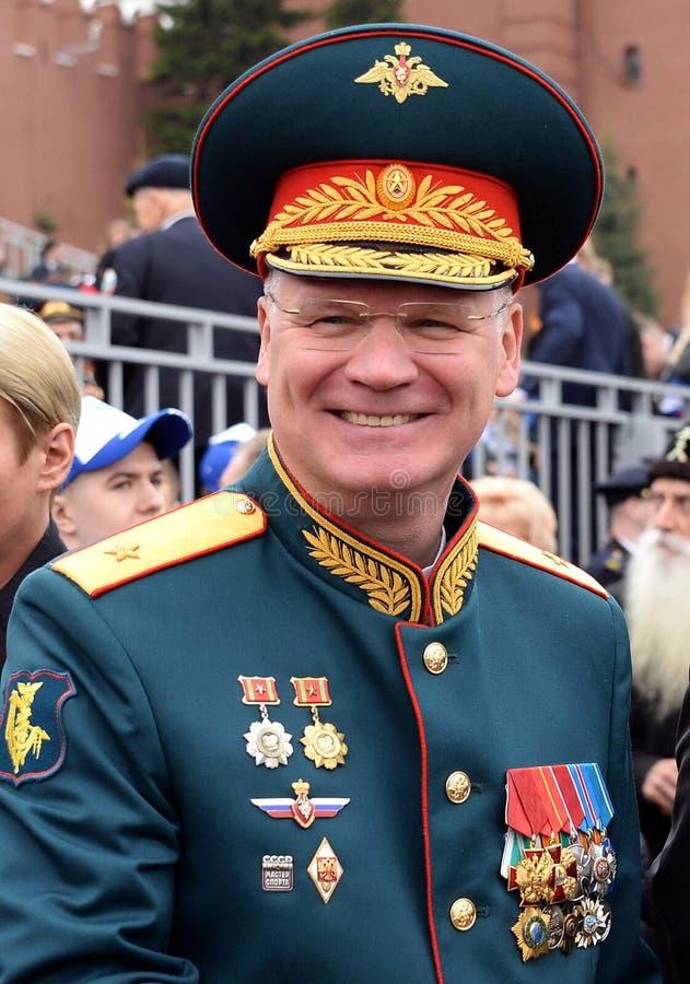 De officiële vertegenwoordiger van het Ministerie van defensie van de Russische Federatie belangrijk Algemeen Igor Konashenkov royalty-vrije stock foto's