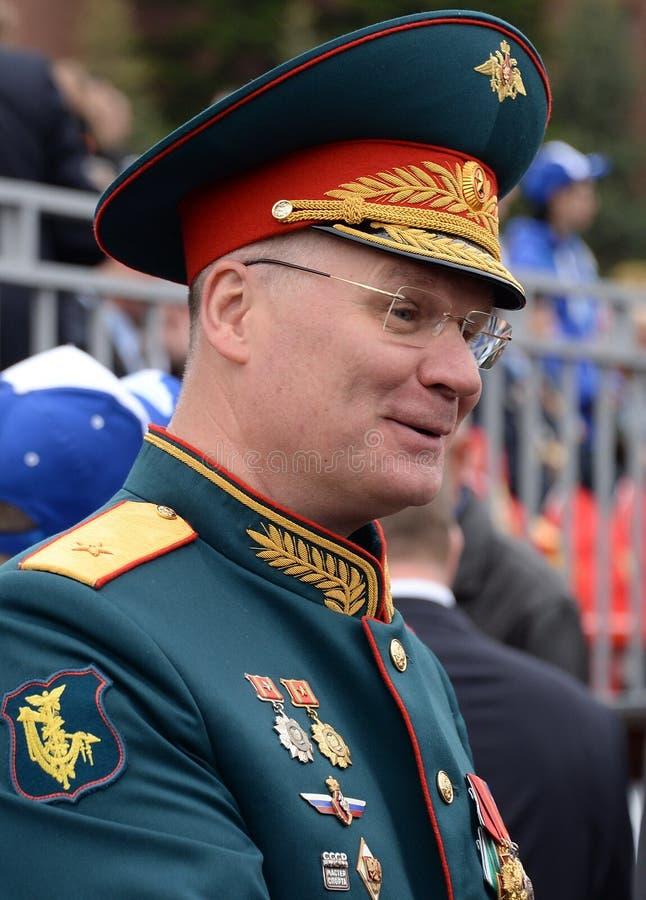 De officiële vertegenwoordiger van het Ministerie van defensie van de Russische Federatie belangrijk Algemeen Igor Konashenkov stock afbeelding
