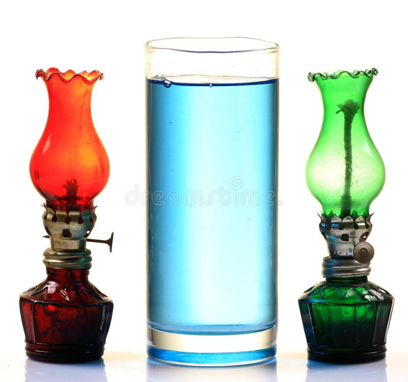 De olie en de lampen van de kerosine stock afbeeldingen
