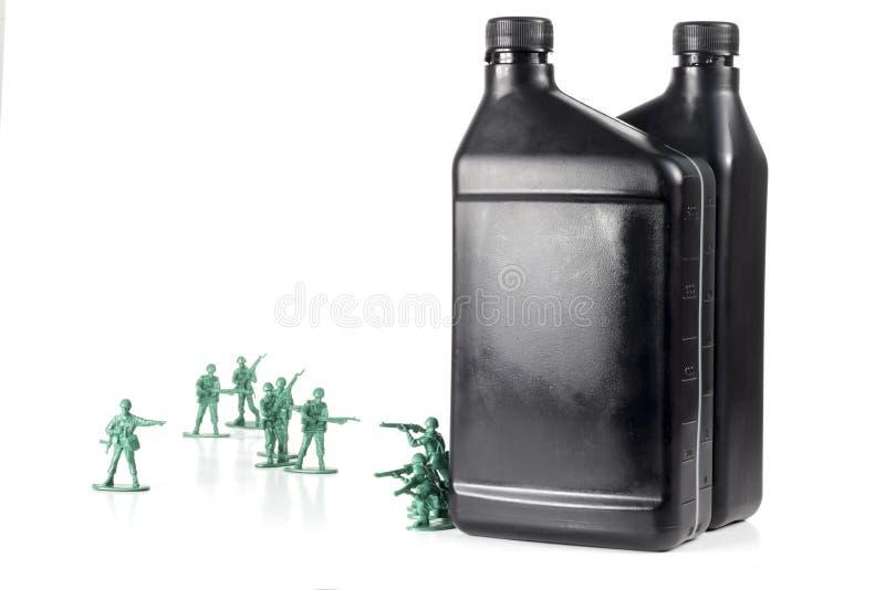 Download De Olie van legermensen stock foto. Afbeelding bestaande uit olie - 54091534