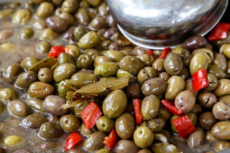 De olijven behouden binnen van een markt royalty-vrije stock foto's