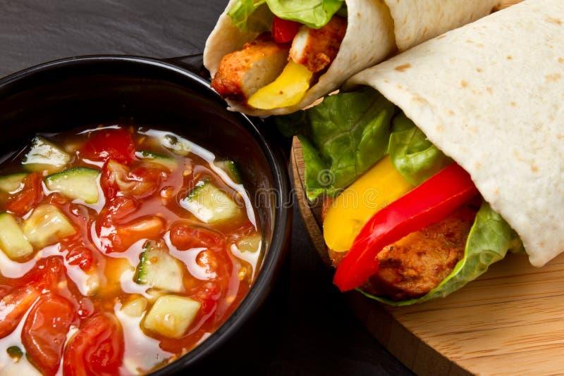 De omslagn salsa van de kip stock foto