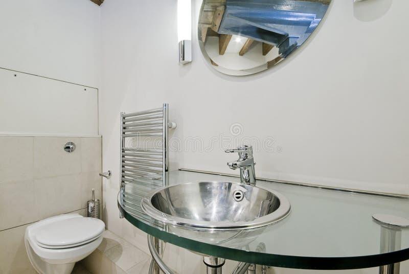 De omzettingsbadkamers van het pakhuis royalty-vrije stock foto