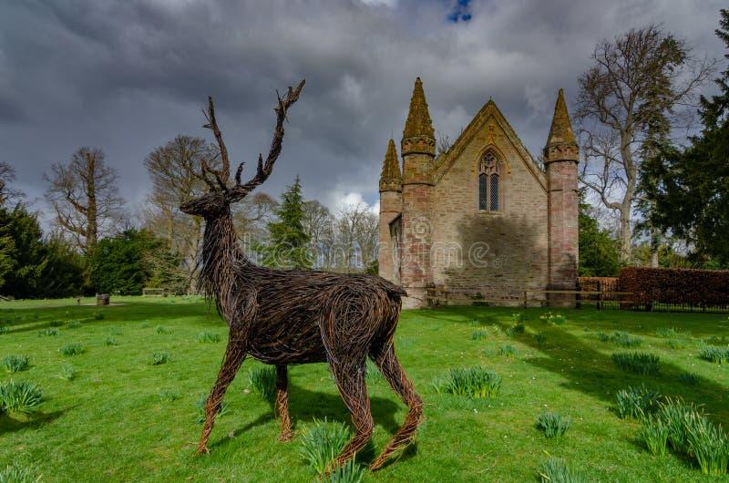 De Onbesliste Heuvel en de kapel bij het Paleis van Scone, Schotland royalty-vrije stock foto