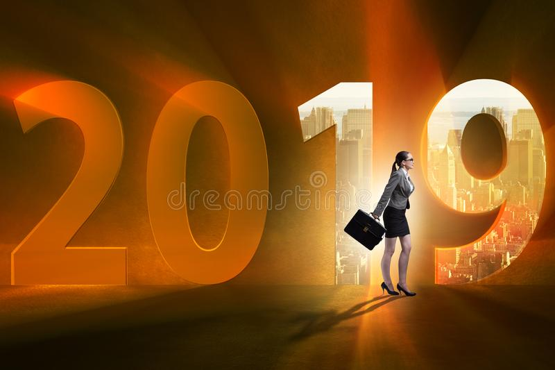 De onderneemster in het concept overgang naar jaar 2019 stock foto