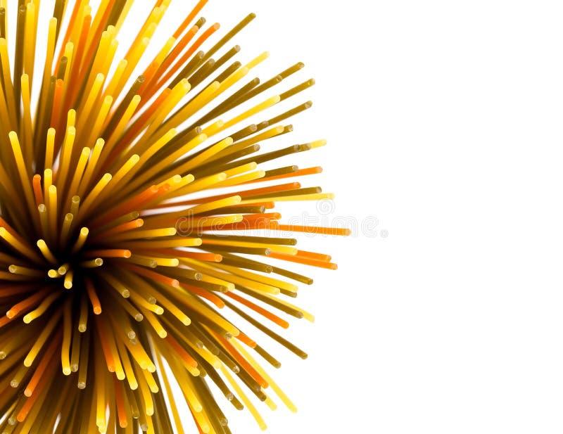 De ongekookte macaroni van de deegwarenspaghetti stock afbeeldingen