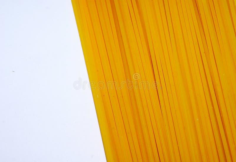 De ongekookte macaroni van de deegwarenspaghetti stock fotografie