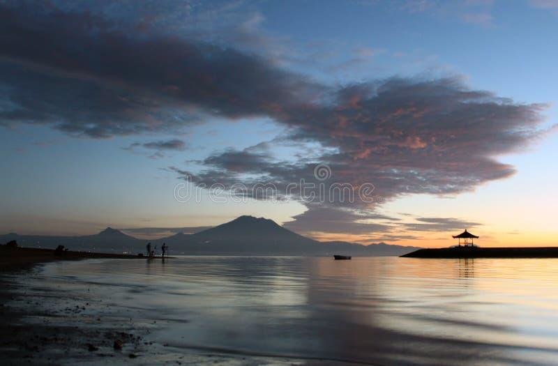 De onscherpe achtergrond van het strandlandschap stock fotografie