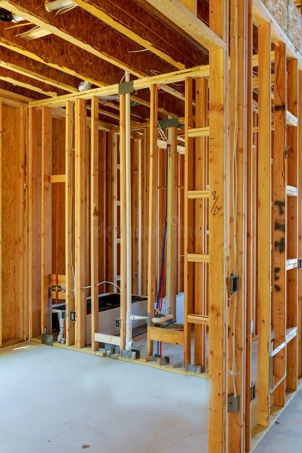 de onvolledig houten kaderbouw of huis stock foto