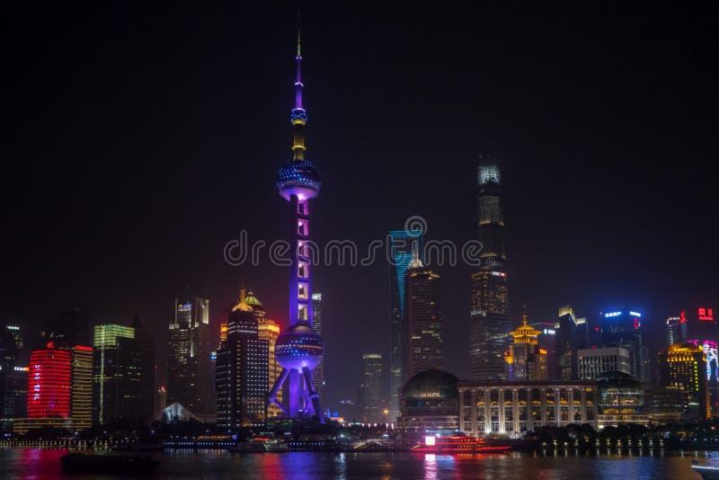 De Oosterse Toren van Pareltv in Shanghai stock afbeelding
