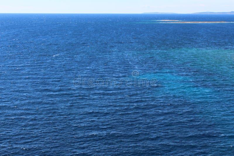 In de open zee stock afbeelding