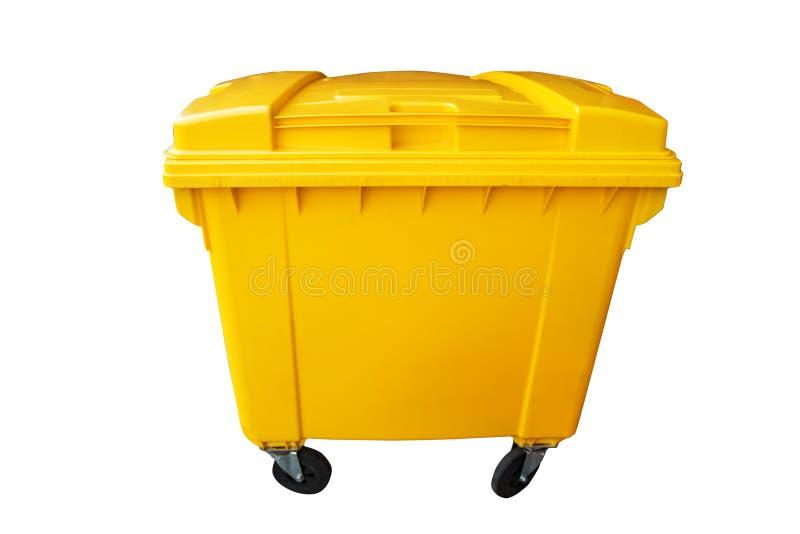 De openbare gele die vuilnisbak, recycleert of de vuilnisbak op wit wordt geïsoleerd, knippend weg stock foto's