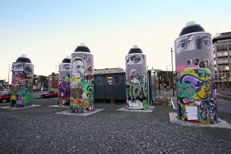 De openbare kunst van de stadsstraat van reus schilderde aërosols met het kleurrijke schilderen, muurschildering, graffiti in Chr stock fotografie