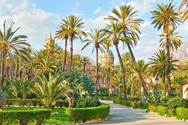De openbare tuin van villabonanno in Palermo stock foto's