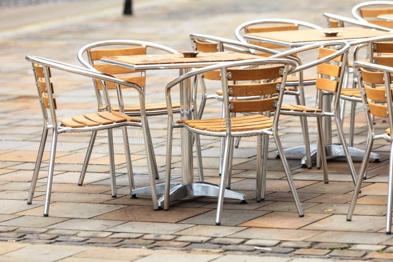 De openlucht openluchtkoffie van de restaurantkoffie stock afbeelding