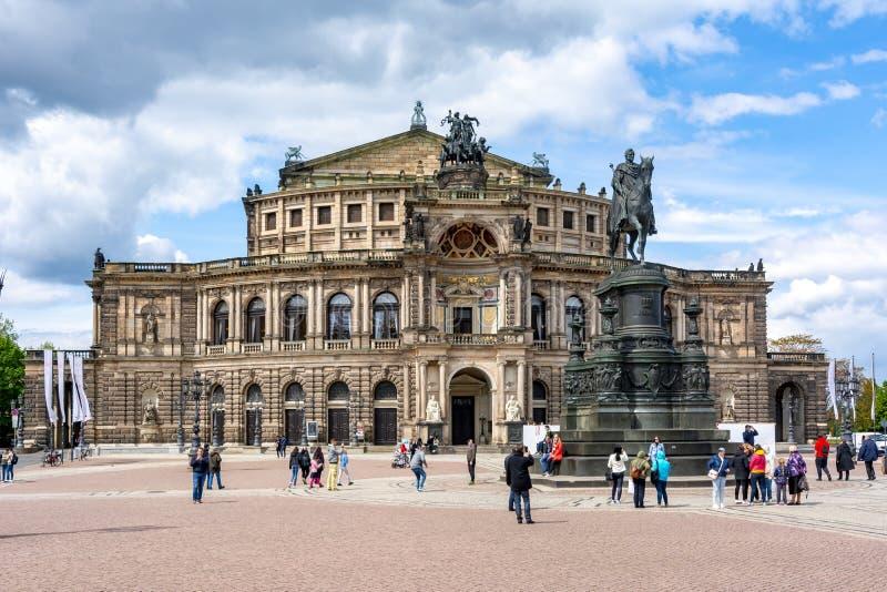 De Operahuis Semperoper, Dresden, Duitsland van de staat royalty-vrije stock foto