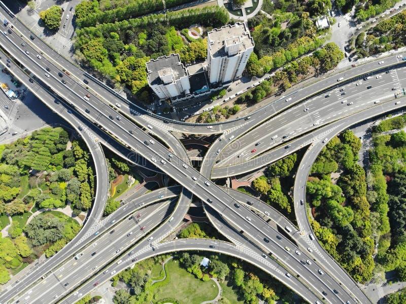 De opgeheven Verbinding van de 5 Niveausweg in het Centrum van Shanghai stock afbeeldingen