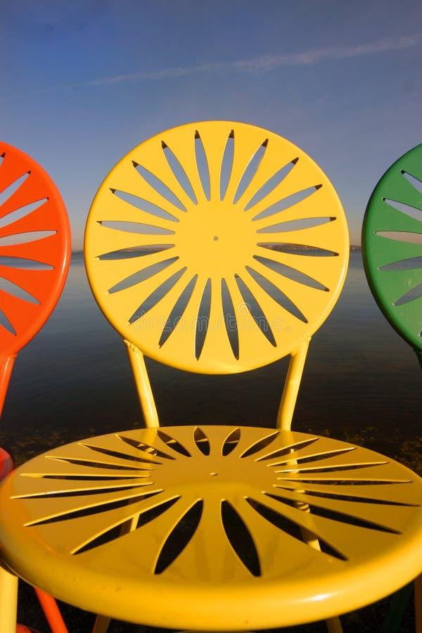 De opgestelde close-up van Uw stoelen stock fotografie